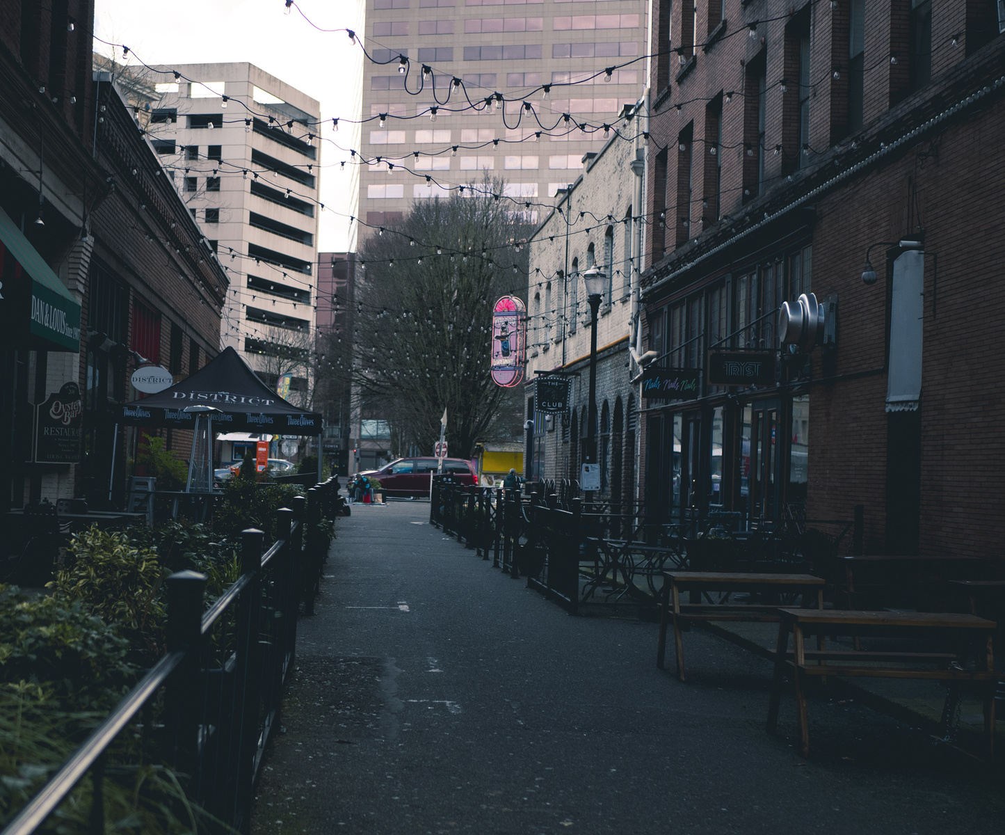 alley dining